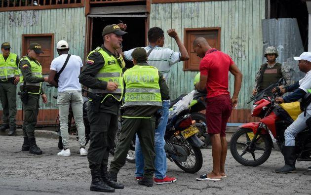 Las fuerzas especiales ejecutaron una redada y allanaron nueve viviendas. Foto: AFP