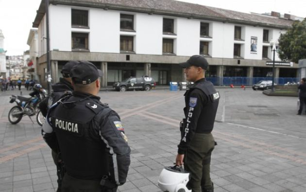La Policía especializada aplicó una explosión controlada de una mochila encontrada en la zona del Municipio, pero descartó la existencia de material explosivo. Foto: El Ciudadano