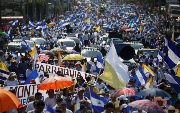 Las protestas contra Ortega iniciaron hace doce días en reclamo por medidas de seguridad social que elevaban las cuotas. Foto: Reuters
