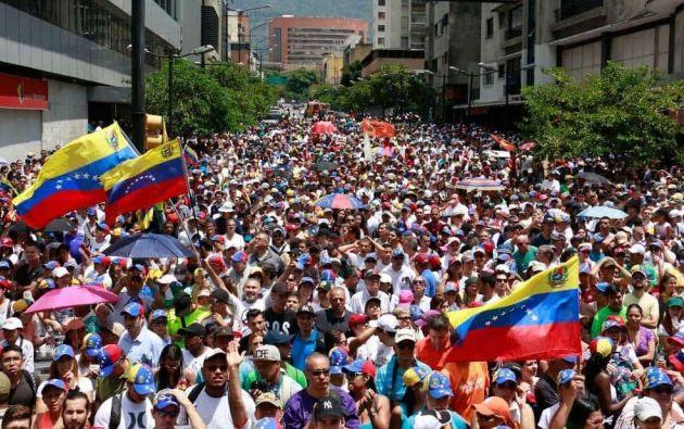 Opositores venezolanos piden ayuda humanitaria en el Día del Trabajador. Foto: Archivo