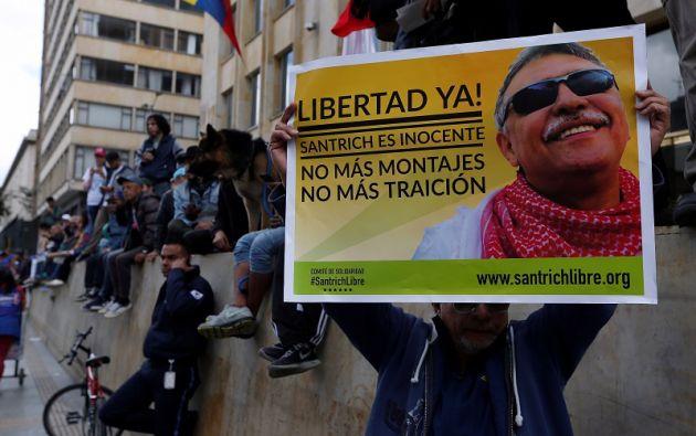 De 51 años y con una aguda deficiencia visual, Santrich inició el 10 de abril una huelga de hambre en protesta por su captura el día anterior. Foto: Reuters