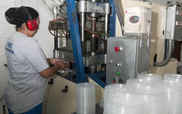 Evopláster se centra en la producción de termoformados de diversos tipos de plásticos como ABS, polipropileno, poliestireno, PVC, PET y otros.