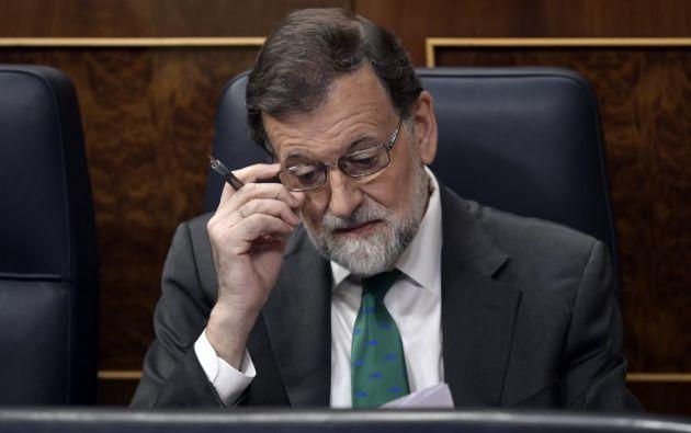 Debilitado por una condena judicial a su partido por corrupción, el presidente de gobierno español se juega su supervivencia política en el Parlamento. Foto: AFP