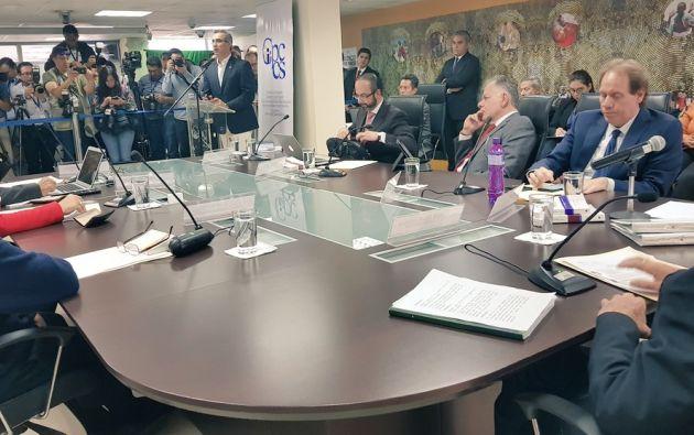 Según Trujillo, el abandono de la sala constituyó un acto voluntario de renuncia a ejercer su derecho a la defensa. Foto: CPCCS