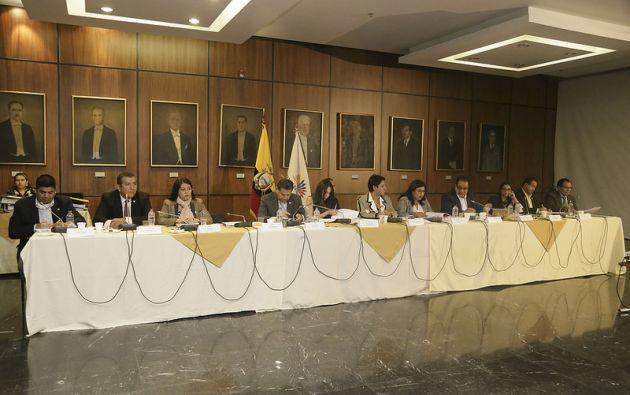 No existió el número necesario de votos para recomendar el juicio o para archivarlo. Foto: Asamblea