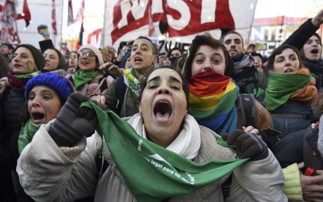 Entre otros aspectos, el proyecto despenaliza cualquier aborto hasta la semana 14 de gestación. Foto: AFP
