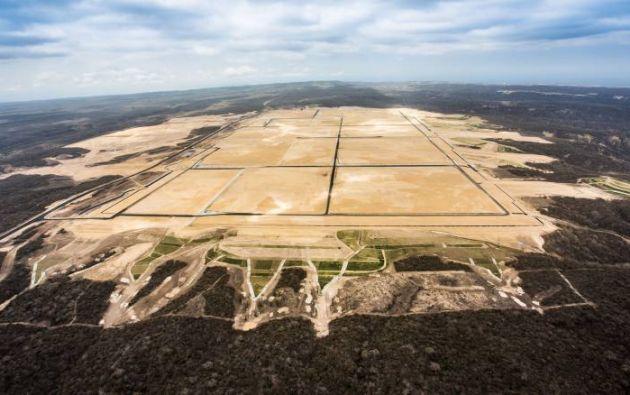 La refinería de Manabí, antes conocida como Refinería del Pacífico, es un proyecto inacabado del anterior gobierno. Foto: archivo