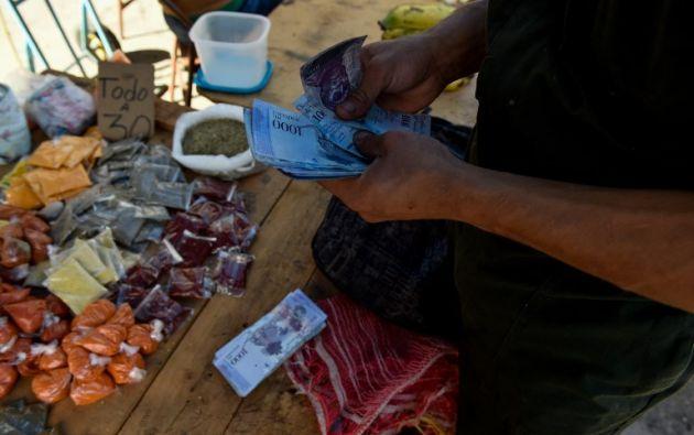 Venezuela atraviesa una aguda crisis económica, con una hiperinflación que devora el bolsillo de los venezolanos. Foto: AFP
