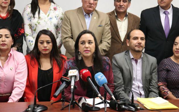 QUITO, Ecuador.- Militantes del correísmo rechazan validez de acciones de fiscal Paúl Pérez. Foto: Twitter