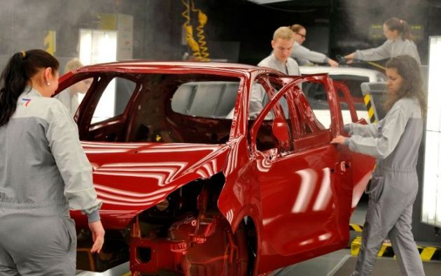 Según la UE, los fabricantes de automóviles europeos eran importantes contribuyentes a la economía estadounidense. Foto: AFP