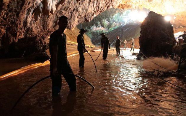 Rescatan a 4 de 12 niños atrapados en cueva de Tailandia. Foto: AFP