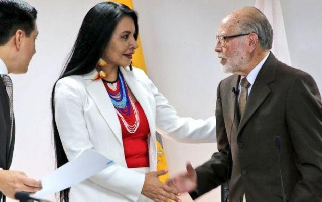 Diana Atamaint, de nacionalidad shuar es la primera indígena vicepresidenta del Consejo Nacional Electoral (CNE), considerada una de las principales instituciones del Estado. Foto: Twitter