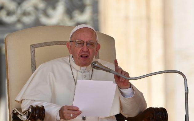 """Francisco les pidió ser """"hombres pobres en bienes y ricos en relaciones"""". Foto: AFP"""