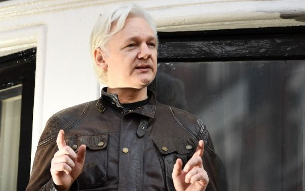 Assange exige a la Justicia ecuatoriana que no se le impongan las reglas que constan en un protocolo. Foto: AFP
