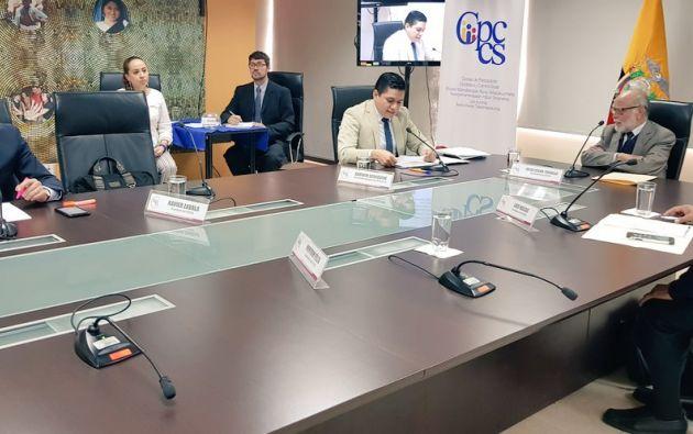 La comisión tendrá tres días hábiles para revisar que los postulantes cumplan con los requisitos. Foto: Twitter @CPCCS