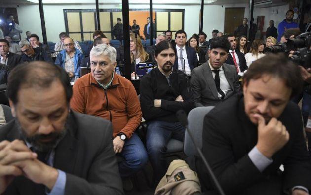 El empresario argentino Lázaro Báez y su hijo Martin asisten a su juicio por cargos de lavado de dinero. Foto: AFP