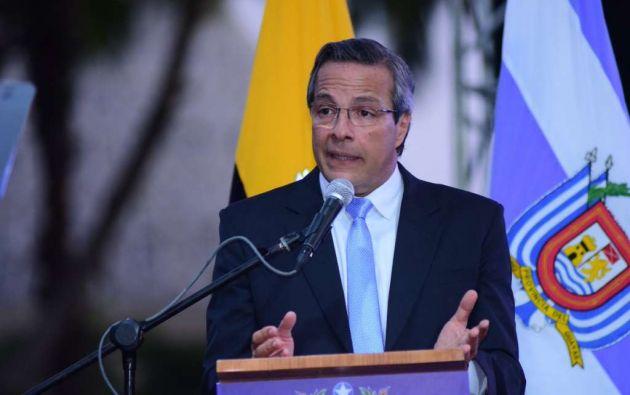 """GUAYAQUIL, Ecuador.- El prefecto aseguró en su discurso que el dragado del río Guayas #ya está en ejecución"""". Foto: Prefectura."""