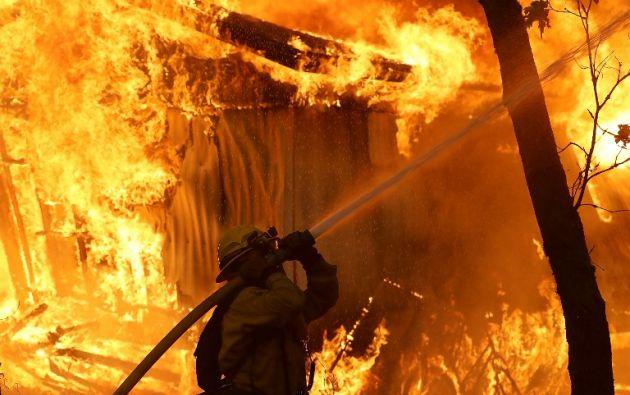 """El condado de Buttle es hasta ahora el más afectado, con """"Camp Fire"""" arrasando con 280 km2. Foto: AFP"""
