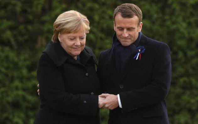 PARÍS, Francia.- El francés y la alemana recordaron con solemnidad a los caídos de la Primera Guerra Mundial. Foto: AFP
