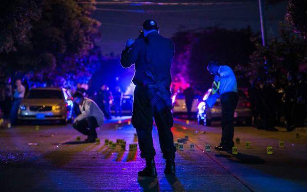 CHIHUAHUA, México.-El ataque generó una intensa movilización policíaca, aunque los atacantes no fueron localizados.. FOTO: AFP.