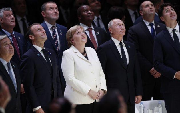 PARÍS, Francia.-  El mandatario ruso Vladimir Putin, el turco Recep Tayyip Erdogan y la canciller alemana Angela Merkel participaron en las conmemoraciones. Foto: AFP.