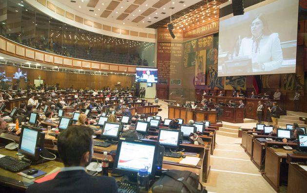 QUITO, Ecuador.- Sofía Espín y Norma Vallejo afrontan una eventual destitución de sus curules legislativas. Foto: Asamblea Nacional