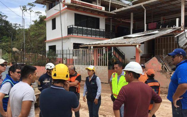 Remover escombros tomará más días en Limón Indaza. Foto: Twitter Riesgos Ec