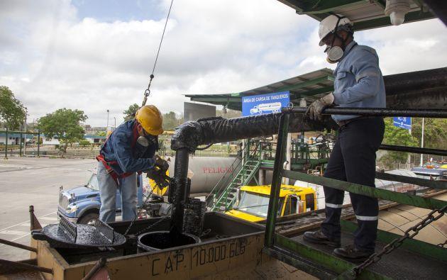 El precio del barril de petróleo WTI (referencia para el crudo ecuatoriano), cayó este jueves bajo la barrera de los $50. Foto: Petroecuador