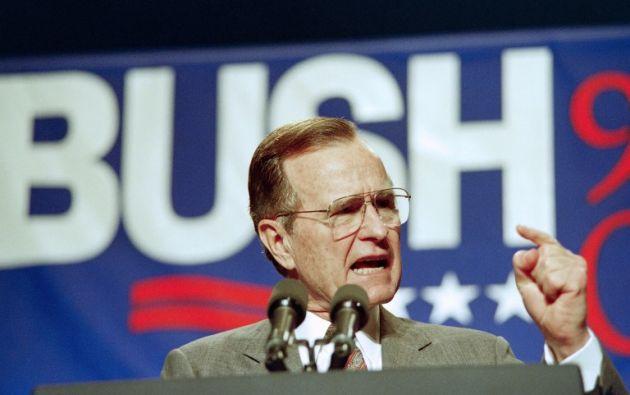 El presidente estadounidense número 41 fue héroe de guerra condecorado y director de la CIA. Foto: AFP