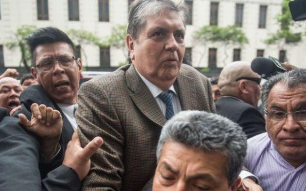 El expresidente abandonó la embajada de Uruguay luego de que Vázquez le negara el asilo. Foto archivo: AFP
