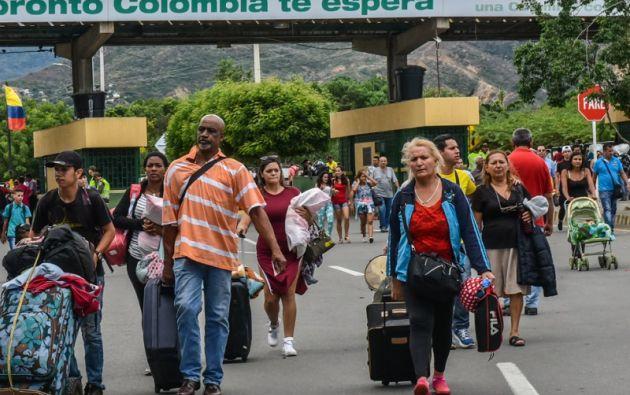 El ritmo diario promedio de salidas a lo largo de este año ha sido de 5.500 personas. Foto: AFP