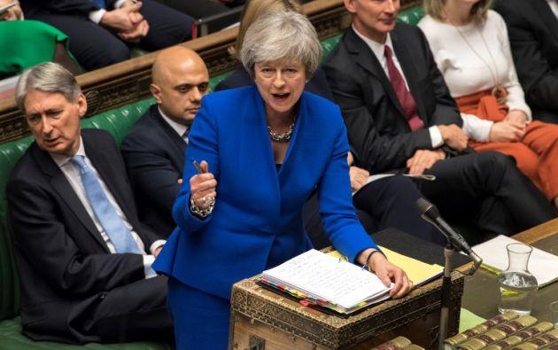 La primera ministra Theresa May retrasó hasta mediados de enero la votación. Foto: AFP