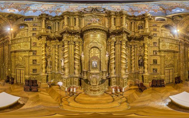 Iglesia de La Compañía: El interior de la iglesia de La Compañía, en Quito, fue captado a seis metros de altura, al mismo nivel de los ojos de la Virgen La Dolorosa, ubicada en el altar que se caracteriza por sus láminas de oro. Foto: Santiago Salinas