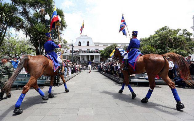 QUITO, Ecuador.-  La ciudadanía está a la espera de mayores acciones del Ejecutivo para lograr la estabilidad de la economía. Foto: Flickr Presidencia.