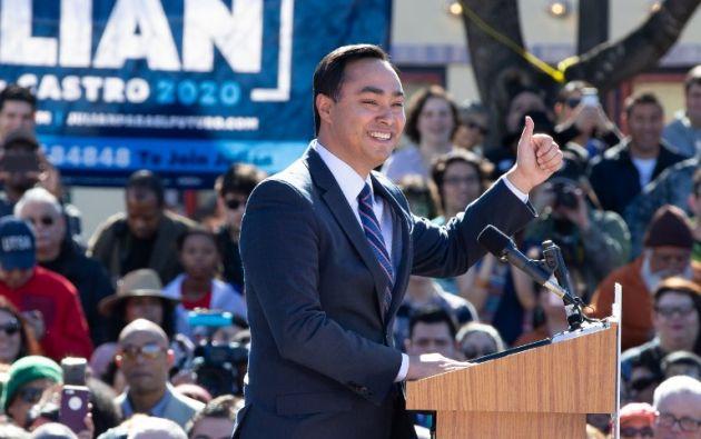 Castro fue uno de los finalistas para ser candidato a la vicepresidencia junto con Hillary Clinton. Foto: AFP
