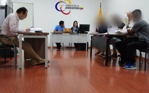 La Fiscalía formuló cargos en contra de Orlin Octavio B.A., propietario de la clínica, y Leandro Johnny A.A., persona encargada de las llaves del establecimiento. Foto: Twitter Fiscalía