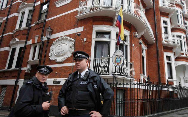 El Departamento de Justicia de EE.UU. interrogará a seis miembros del personal de la legación ecuatoriana en Londres. Foto: Reuters