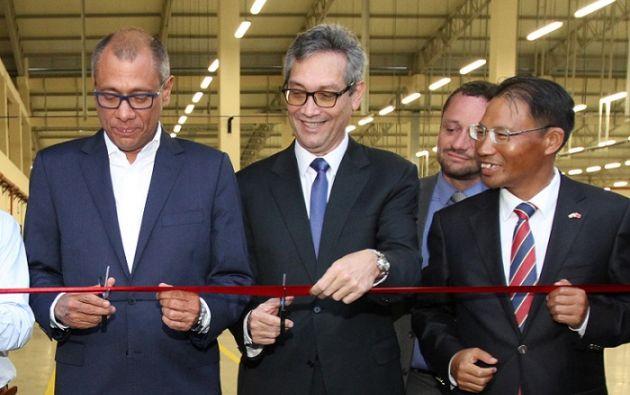 Agosto de 2016. El entonces vicepresidente de la República Jorge Glas Espinel solemnizó la inauguración de una fábrica de fibra óptica del grupo Telconet, ubicada en la vía Durán-Tambo.