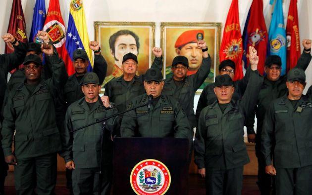 """El ministro afirmó que la Fuerza Armada no permitirá la implementación de """"un gobierno títere"""". Foto: Reuters"""