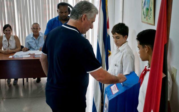 "Díaz-Canel dijo a la prensa que América Latina está ""viviendo un momento de amenaza imperial"". Foto: AFP"