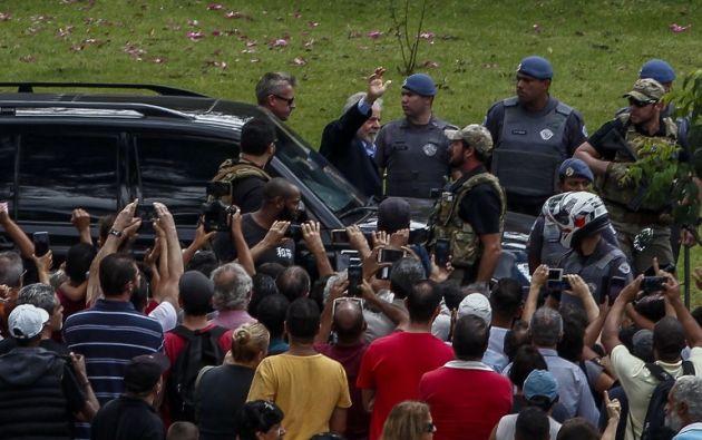 Lula salió de la cárcel para ir al funeral de su nieto. Foto: AFP