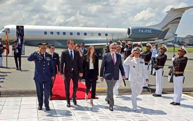Juan Guaidó llegó a la Base Aérea de Guayaquil.