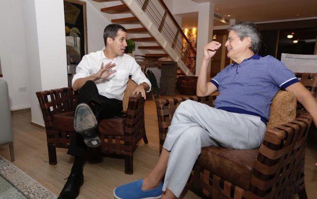 Lasso se reunió con Guaidó en Punta Barandúa. Foto: Twitter