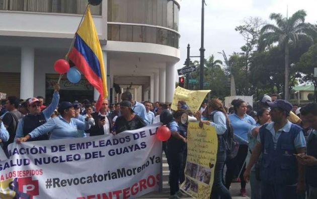 trabajadores públicos de Salud denuncian despidos masivos.