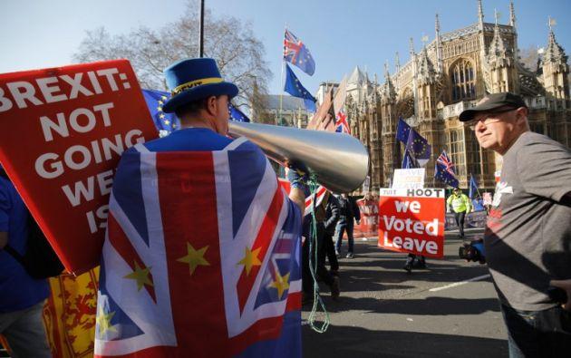 Los diputados británicos votan a partir del martes concretar o postergar la salida del Reino Unido de la Unión Europea, prevista el 29 de marzo, casi tres años después del referéndum de 2016 sobre el Brexit. Foto: AFP