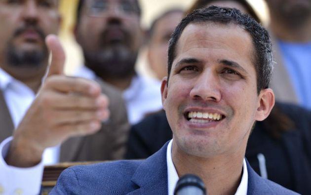 """""""Mañana (lunes) hemos convocado sesión de emergencia extraordinaria de urgencia del Parlamento para tomar acciones inmediatas"""", dijo Guaidó. Foto: AFP"""
