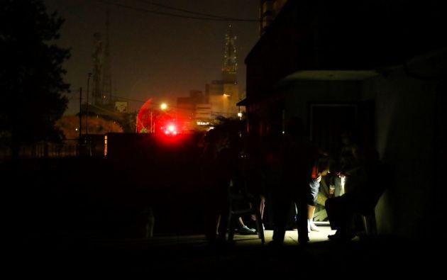 El apagón registrado el jueves mantiene a Caracas con energía parcial, mientras que varias regiones del país se mantienen sin luz. Foto: Reuters.
