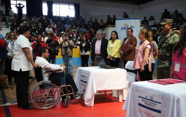 QUITO, Ecuador.- Los observadores nacionales que participarán en los comicios ascienden a 1.510, entre personas naturales, jurídicas y delegados. Foto: Twitter CNE.