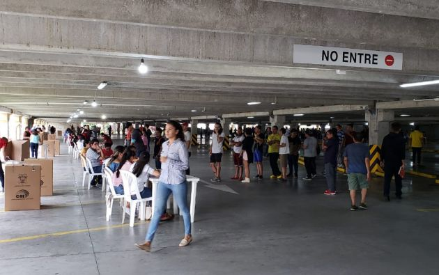 Universidad Católica Santiago de Guayaquil. Foto: Jorge Cavagnaro