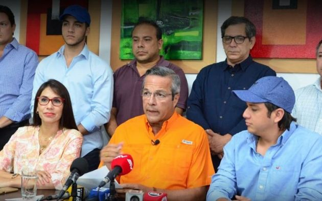 """""""Mis mejores deseos para que la alcaldía de Cynthia Viteri sea de provecho para la ciudad"""", manifestó el exprefecto del Guayas."""